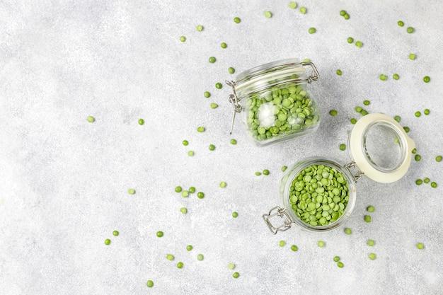 Zielony groszek, widok z góry