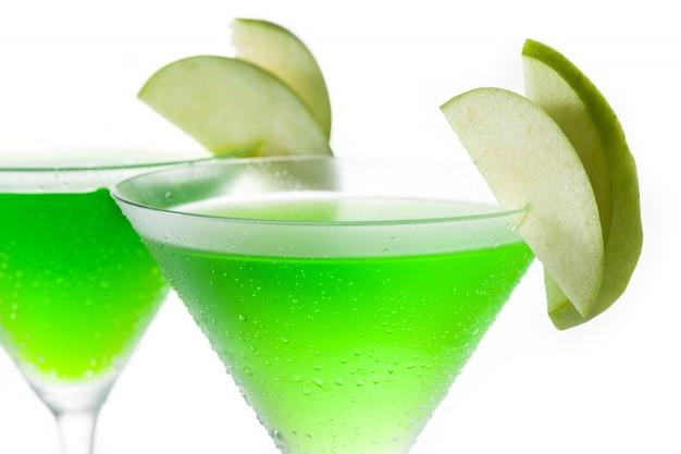 Zielony koktajl appletini w szkle