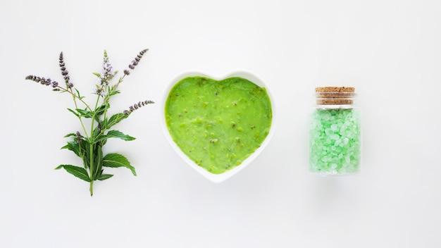 Zielony organiczny krem do naturalnych kosmetyków spa