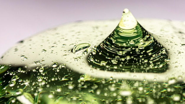 Zielony żel higieniczny antybakteryjny z bliska