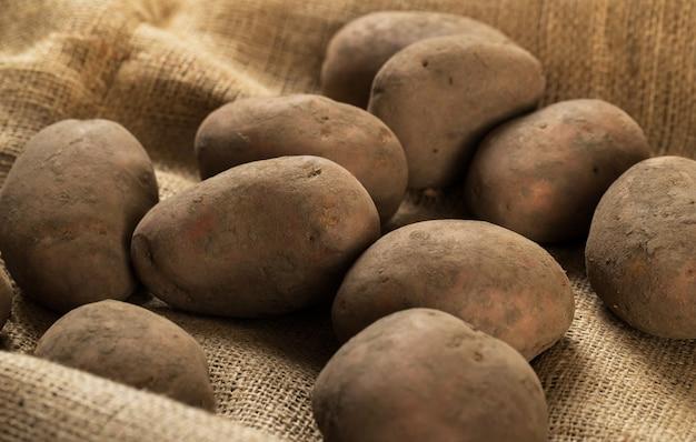 Ziemniaki na kocu