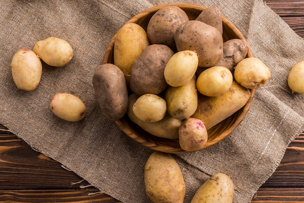 Ziemniaki naturalne w misce