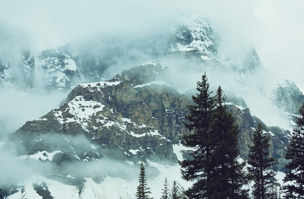 Zimą pokryte śniegiem góry