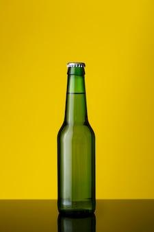 Zimna butelka piwa