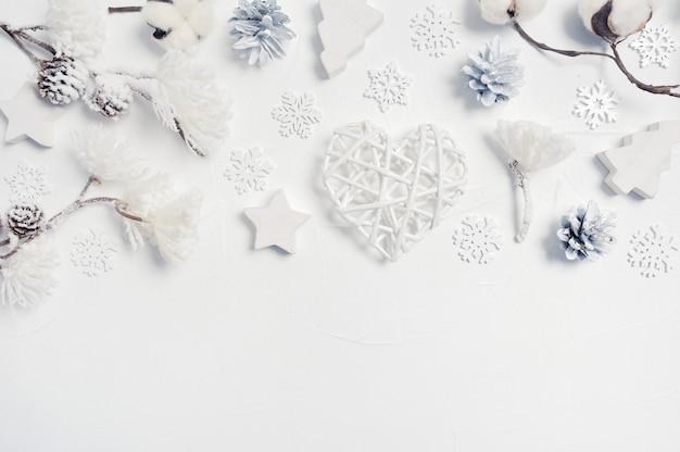 Zimowe białe ozdoby