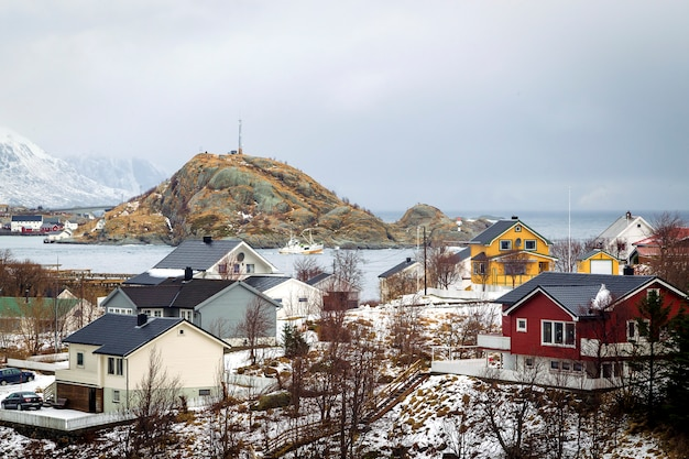 Zimowe domy nad oceanem