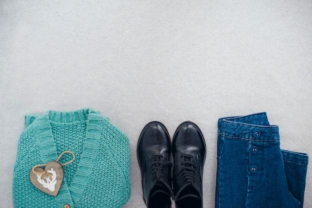 Zimowe ubranie widok z góry