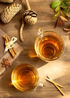 Zimowy napój herbaciany układ płaski
