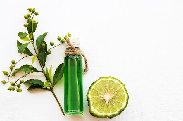 Ziołowe olejki aromatyczne ekstrakt z limonki kaffir