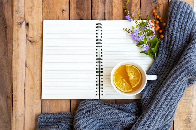 Ziołowe zdrowe napoje gorący miód cytryna opieka zdrowotna na kaszel