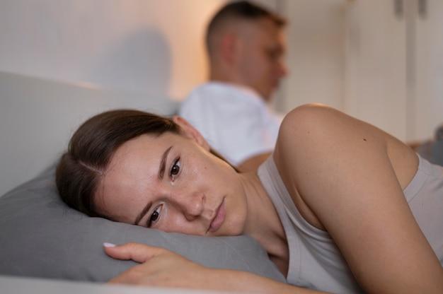 Zła koncepcja seksu ze zdenerwowaną parą