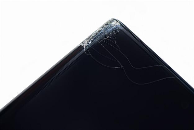 Złamany róg zakrzywionego ekranu smartfona