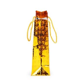 Złota folia puste papierowe poduszki torba na przekąski żywności na białym tle. kolekcja makieta szablonów opakowań.