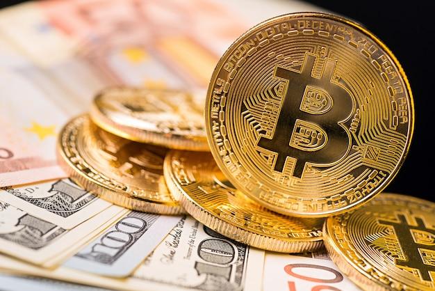 Złota metalowa moneta bitcoin. koncepcja kryptowaluty bitcoin
