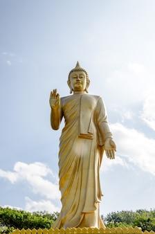 Złota statua buddy