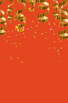 Złote błyszczące spirale, serpentyny i konfetti na czerwonym tle z miejscem na tekst. świąteczne tło bożego narodzenia