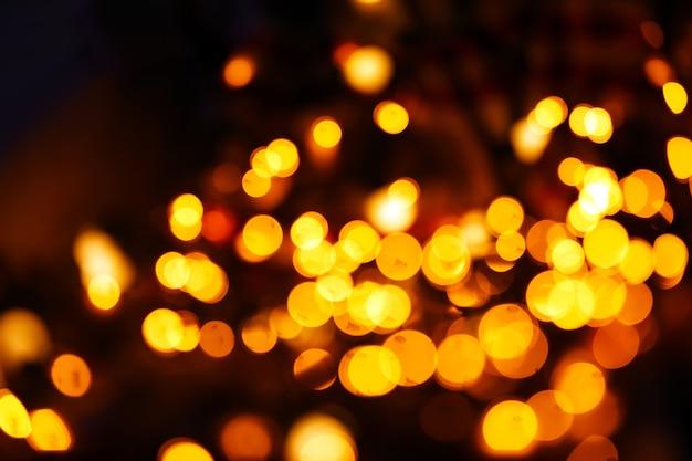 Złote lampki świąteczne, z bliska