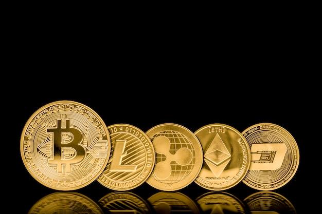 Złote metalowe monety w walucie kryptograficznej