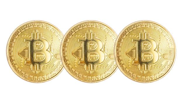 Złote monety bitcoin na białym kryptowaluta cyfrowa waluta do płatności online