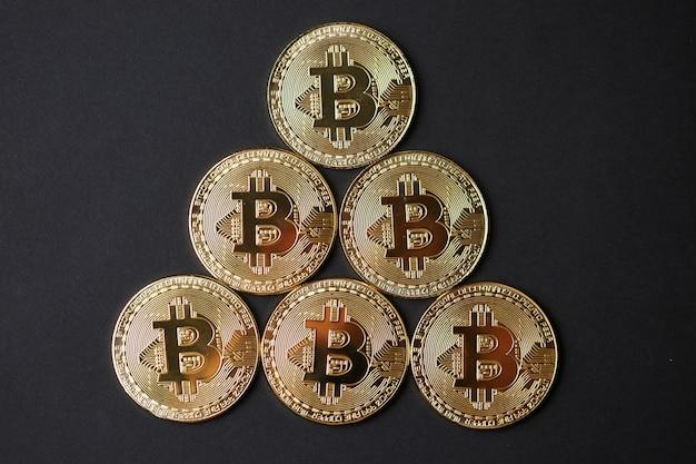 Złote monety bitcoin
