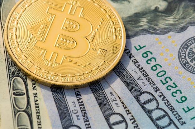 Złote monety kryptowaluty - bitcoin, ethereum, litecoin