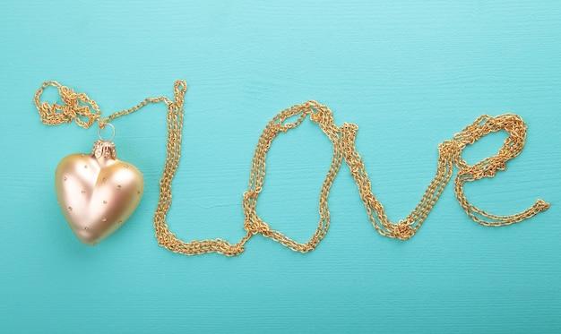 Złote serce ze złotym łańcuchem