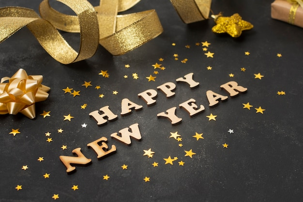 Złote szczęśliwe życzenie na nowy rok