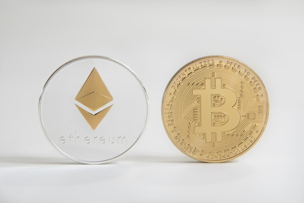 Złoty bitcoin i ethereum