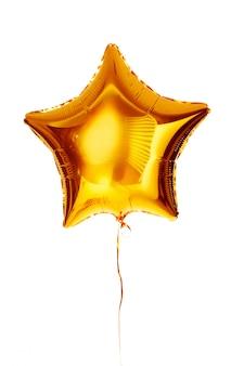 Złoty duży gwiazda metaliczny balon na białym tle