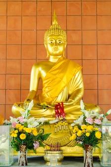 Złoty obraz buddy