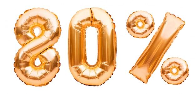 Złoty osiemdziesiąt procent znak wykonany z nadmuchiwanych balonów na białym tle. balony helowe, numery złotej folii. wyprzedaż dekoracji, 80 procent zniżki