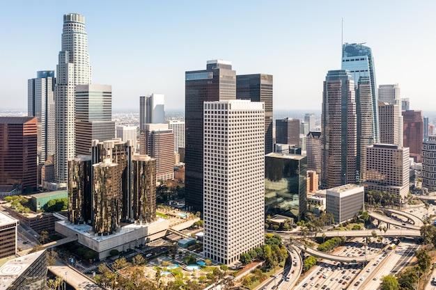 Złożony widok na miasto z lotu ptaka