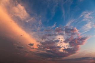 Zmierzch chmury niebieskie
