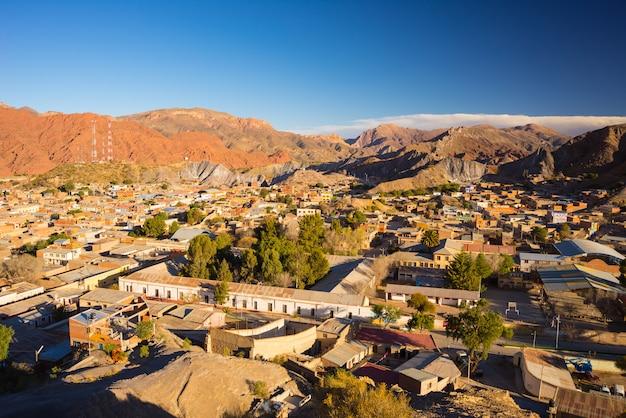 Zmierzch na tupiza czerwonym pasmie górskim, południowa boliwia