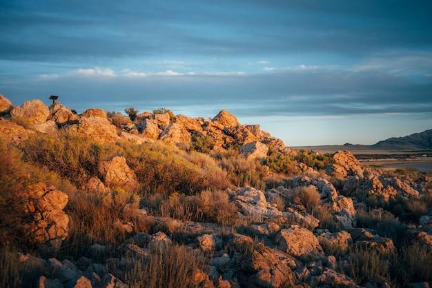 Zmierzch w góra kamieni skale