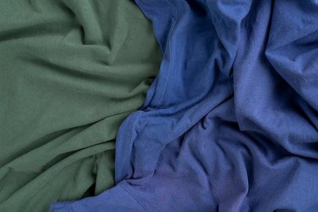 Zmięta lniana tkanina tekstura. pomarszczona tkanina. zielony i niebieski.