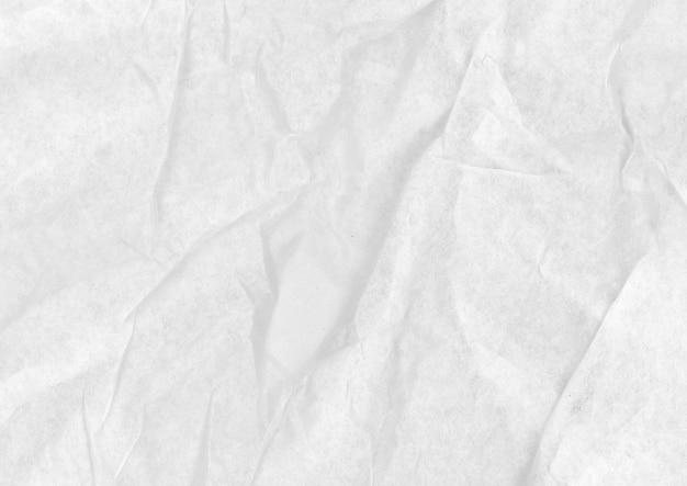 Zmięty biały karton