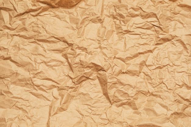 Zmięty papier pakowy tło. poziomy baner. wysokiej jakości zdjęcie