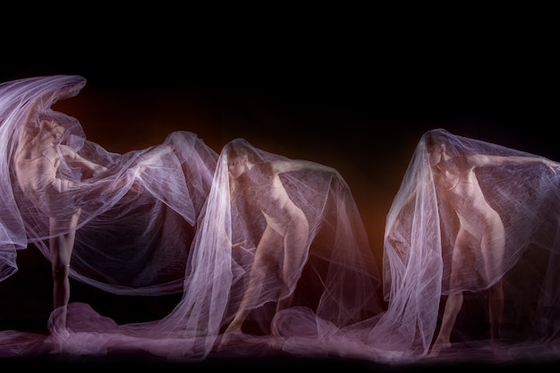Zmysłowy i emocjonalny taniec pięknej baletnicy