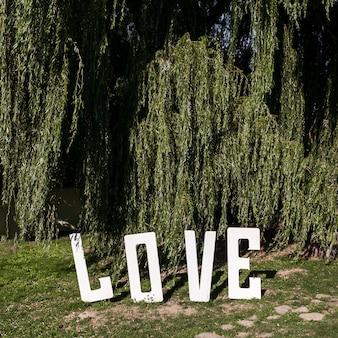 Znak miłości na zewnątrz
