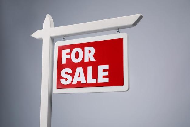 """Znak """"na sprzedaż"""""""