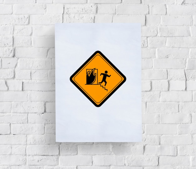 Znak ostrzegawczy wyjścia przeciwpożarowego