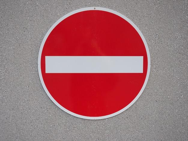Znak zakazu wejścia
