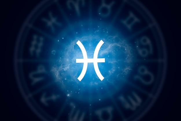Znak zodiaku ryby na tle gwiaździstego nieba