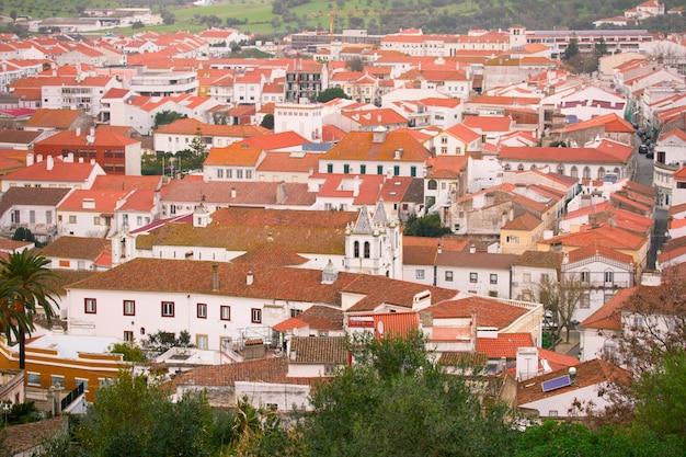 Zobacz na miasto montemor-o-novo, portugalia