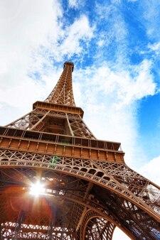 Zobacz u podnóża tower.paris eiffla, francja.