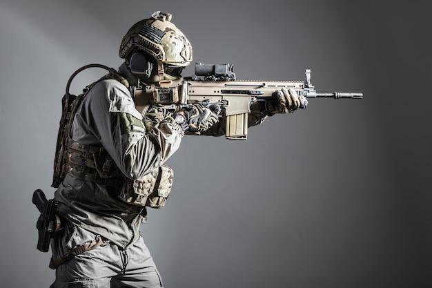 Żołnierz armii specjalnych sił operacyjnych