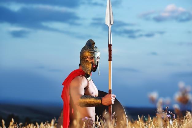 Żołnierz jak spartański lub antyczny rzymianin