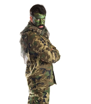 Żołnierz z twarzą malowaną