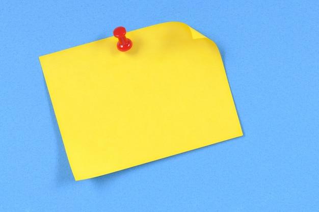 Żółta karteczkę